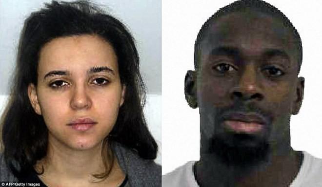 Hayat Boumeddiene (trái) đang bị truy nã. (Nguồn: DM)