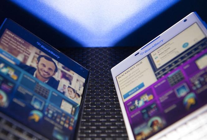 Vì sao BlackBerry chưa bán mình cho Samsung?