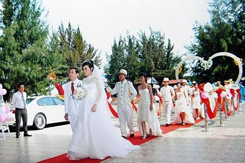 Đám cưới lần thứ 6 hoành tráng của lão đại gia