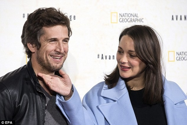 Vợ chồng Marion Cotillard chịu khó bên nhau sau tin đồn về cuộc li hôn của Brad Pitt