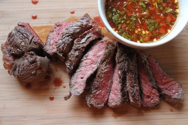 Ăn quá nhiều thịt đỏ và nước ngọt có hại cho phụ nữ