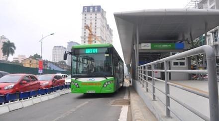 50% khách đi buýt nhanh BRT bằng vé tháng