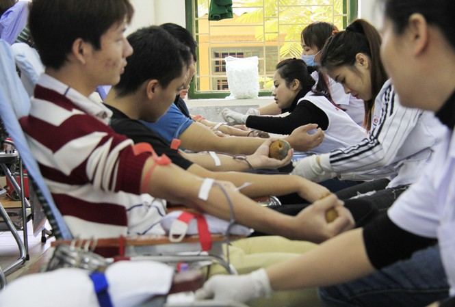 Đoàn viên thanh niên sôi nổi hưởng ứng Chủ Nhật Đỏ tại Thái Nguyên
