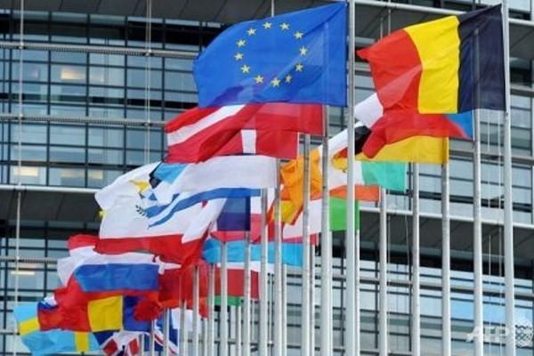 Bản tin 8H: Bảy nước châu Âu ủng hộ dỡ bỏ trừng phạt Nga