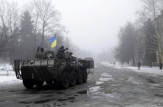 Xe thiết giáp của quân đội Ukraine ở miền Đông nước này. Nguồn: EPA