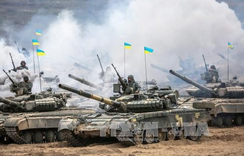 Binh sĩ Ukraine tham gia cuộc tập trận tại Goncharivka, cách thủ đô Kiev 120 km về phía đông bắc ngày 10/9. Ảnh: EPA/TTXVN.