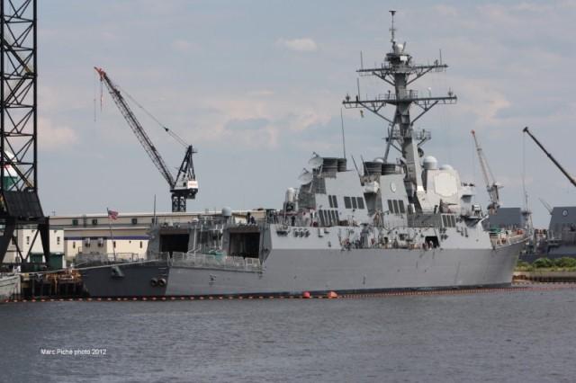 Tàu khu trục tên lửa dẫn đường USS Mason bị tấn công lần thứ 2.