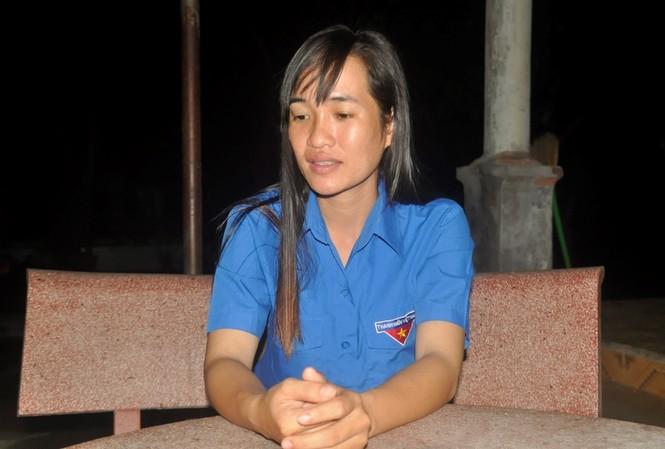 Chị Thu kể lại khi phát hiện trực thăng và thi thể các anh phi công. Ảnh Việt Văn
