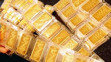 Giá vàng hôm nay 24/12: Vàng và USD cùng tăng