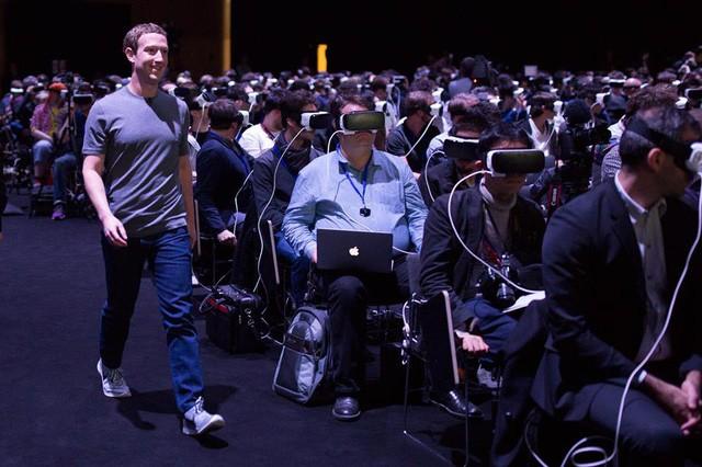 Mark Zuckerberg biến mất trong thế giới ảo của người đeo kính VR