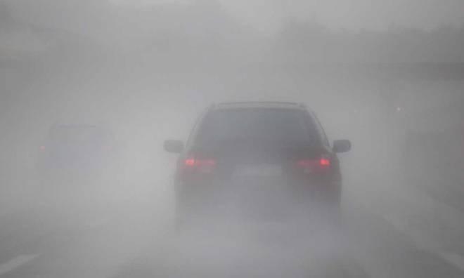 Làm thế nào để lái xe an toàn trong sương mù?