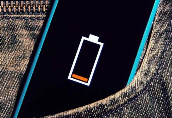 Làm gì khi smartphone sụt pin nhanh bất ngờ?