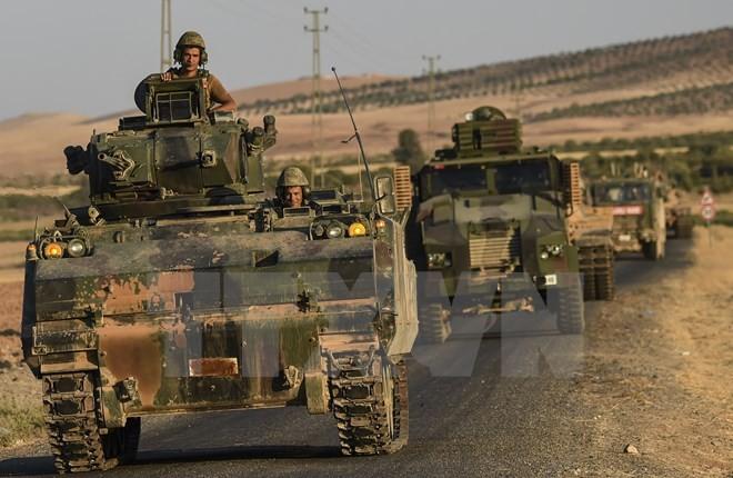 Binh sỹ Thổ Nhĩ Kỳ tại thị trấn vùng biên Karkamis thuộc tỉnh Gaziantep (Thổ Nhĩ Kỳ) - khu vực giáp ranh với Syria. (Nguồn: AFP/TTXVN)