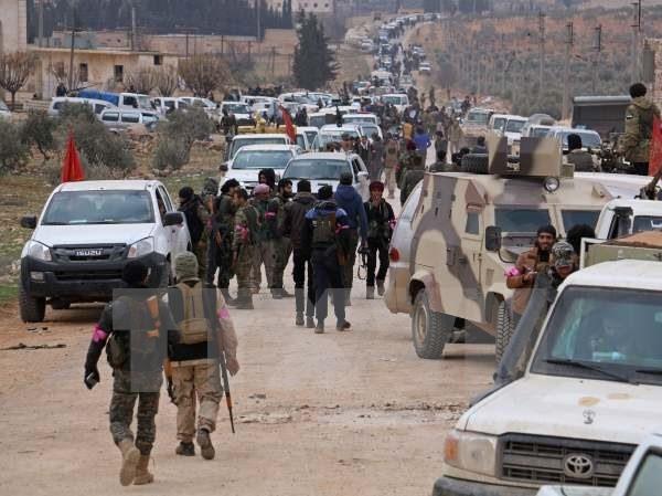Binh sỹ Thổ Nhĩ Kỳ tiến vào khu vực ngoại ô phía tây Al-Bab ngày 9/2. (Nguồn: AFP/TTXVN)