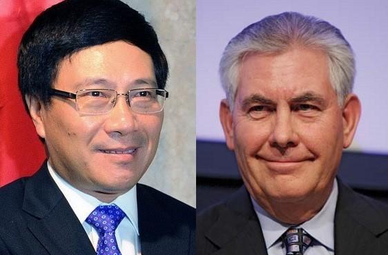 Phó Thủ tướng, Bộ trưởng Ngoại giao Phạm Bình Minh vừa có cuộc tiếp xúc với Ngoại trưởng Mỹ Rex Tillerson.