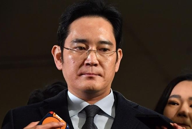 Phó chủ tịch Lee Jae Jong, được coi là người thừa kế của tập đoàn Samsung mới đây bị bắt vì nghi án hối lộ và một số tội danh khác