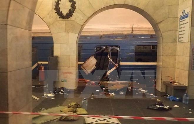 Một toa tàu bị phá hủy sau vụ nổ ở ga tàu điện ngầm Học viện kỹ thuật thành phố Saint Petersburg ngày 3/4. (Nguồn: AFP/TTXVN)