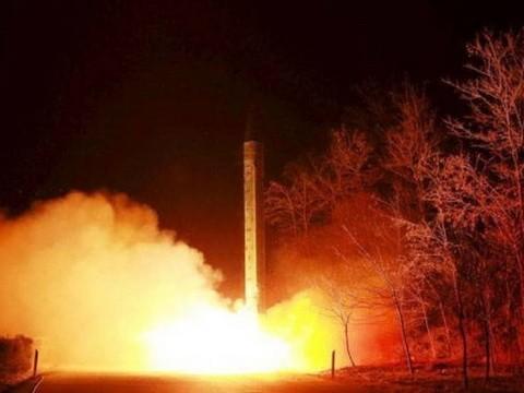 RADIO Thế giới 24H: Triều Tiên không ngần ngại sử dụng vũ khí hạt nhân