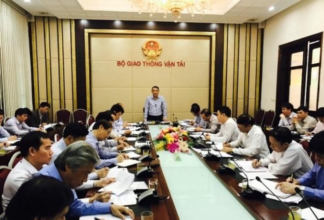 Bộ trưởng GTVT Trương Quang Nghĩa chủ trì cuộc họp. Ảnh: Báo Giao thông