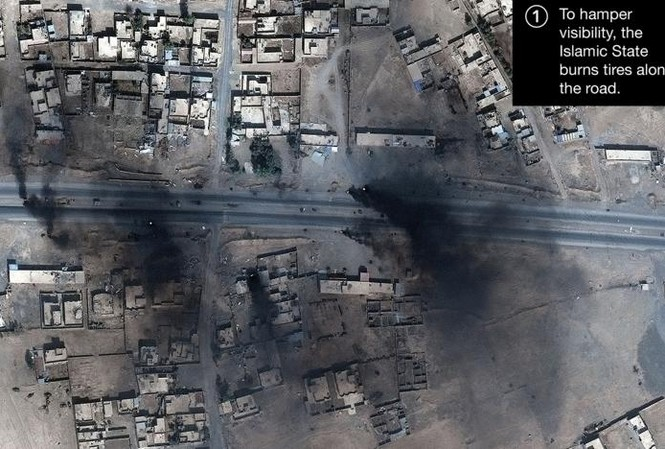 Khói đen bên trong Mosul qua ảnh vệ tinh chụp ngày 18/10.