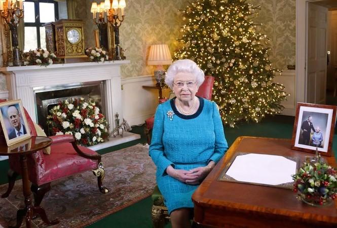 Nữ hoàng Elizabeth II suýt bị bắn trong nhà của bà.