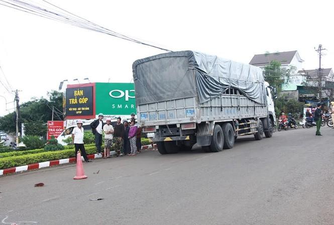 Chiếc xe ô tô tải tại hiện trường