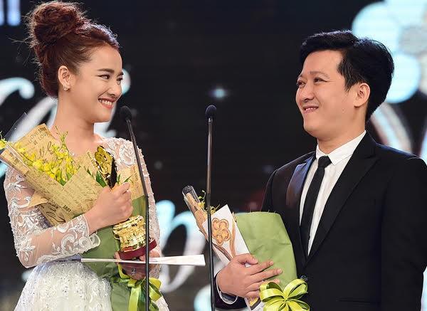 Những màn tỏ tình ấn tượng của sao Việt ngay trên sân khấu