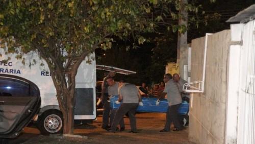 Thi thể một nạn nhân được đưa đi ở Campinas. Ảnh: FolhaPress