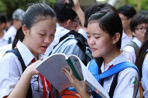Năm 2016, gần 70.000 học sinh lớp 9 ở TP HCM thi tuyển vào lớp 10.