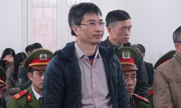 Giang Kim Đạt trước vành móng ngựa