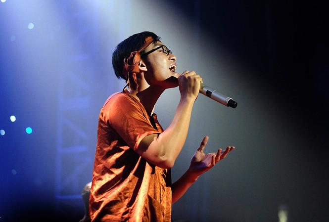 Thí sinh Lê Gia Khánh giành giải quán quân cuộc thi Let's Sing 2017