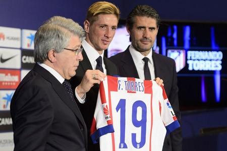 Hơn 4 vạn CĐV chào đón Torres ở Atletico - ảnh 1