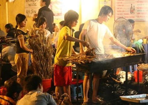 Những ngõ phố ẩm thực nổi tiếng Hà thành - ảnh 13