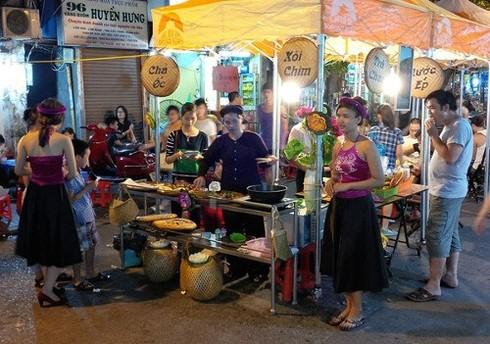 Những ngõ phố ẩm thực nổi tiếng Hà thành - ảnh 2