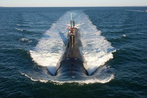 Lính thủy Mỹ mở tiệc nướng trên tàu ngầm - ảnh 4