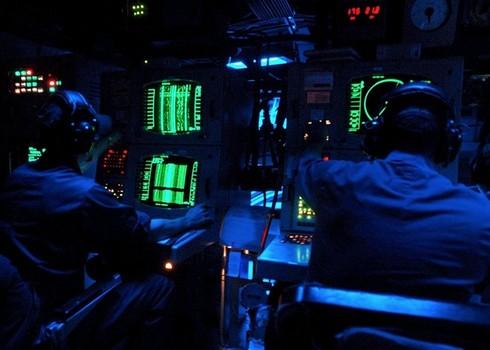 Lính thủy Mỹ mở tiệc nướng trên tàu ngầm - ảnh 7