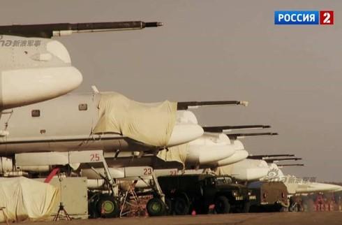 Tận thấy máy bay ném bom Tu-95 Nga tung hoành trên không - ảnh 1