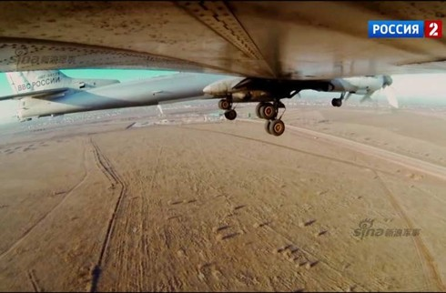 Tận thấy máy bay ném bom Tu-95 Nga tung hoành trên không - ảnh 5