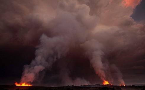Cận cảnh vẻ đẹp chết chóc của núi lửa thức giấc ở Iceland - ảnh 10
