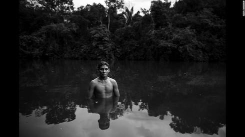 Cuộc sống hoang dại của bộ lạc ít người nhất hành tinh - ảnh 4