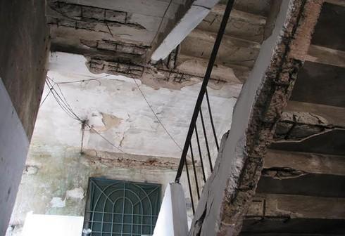 Cận cảnh chung cư 'ổ chuột' ở trung tâm Hạ Long - ảnh 4