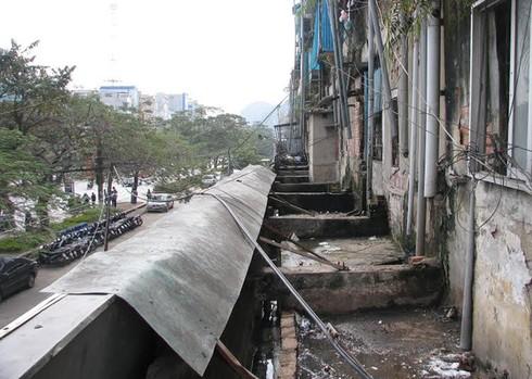 Cận cảnh chung cư 'ổ chuột' ở trung tâm Hạ Long - ảnh 8
