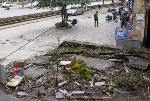Cận cảnh chung cư 'ổ chuột' ở trung tâm Hạ Long - ảnh 9