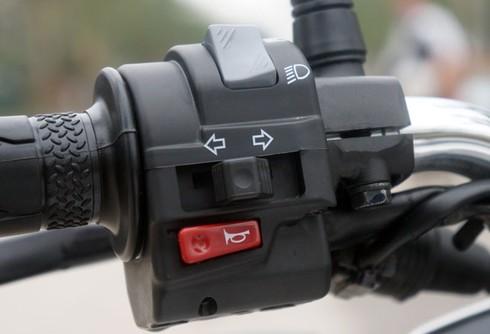 Trải nghiệm xế nổ thể thao Yamaha FZ150i - ảnh 19