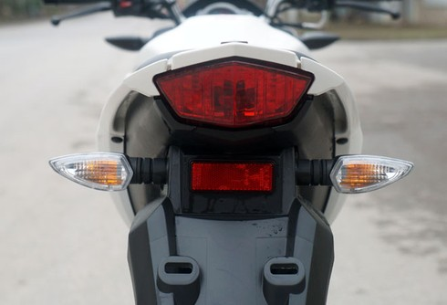 Trải nghiệm xế nổ thể thao Yamaha FZ150i - ảnh 23