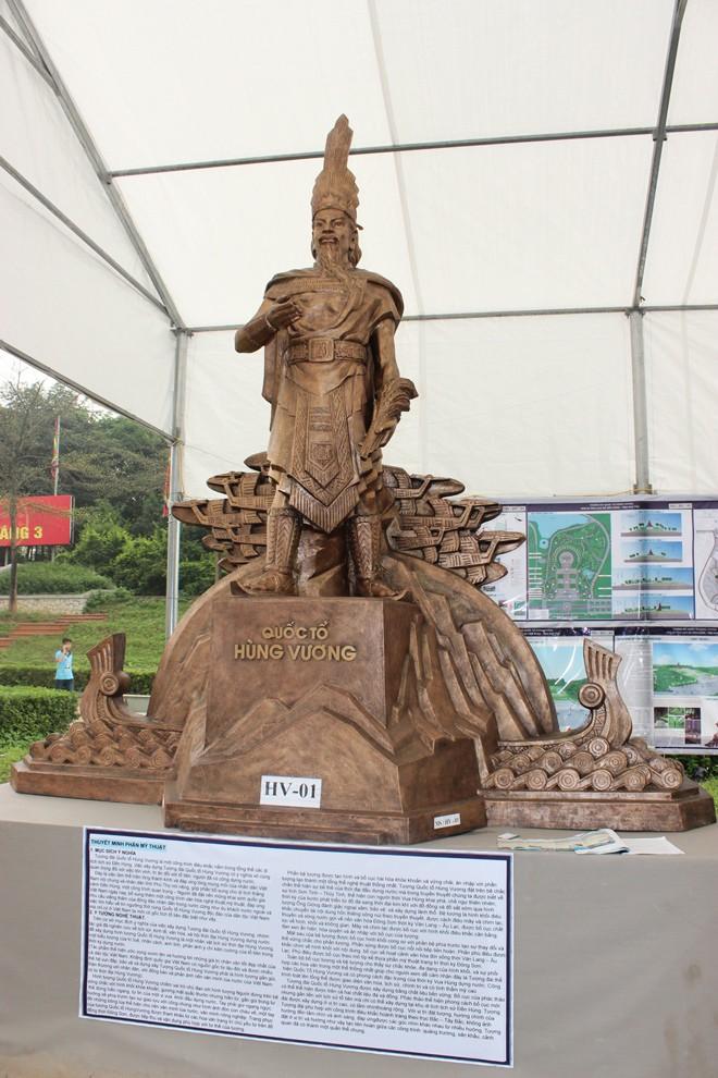 Chọn được hai mẫu tượng Hùng Vương - ảnh 1