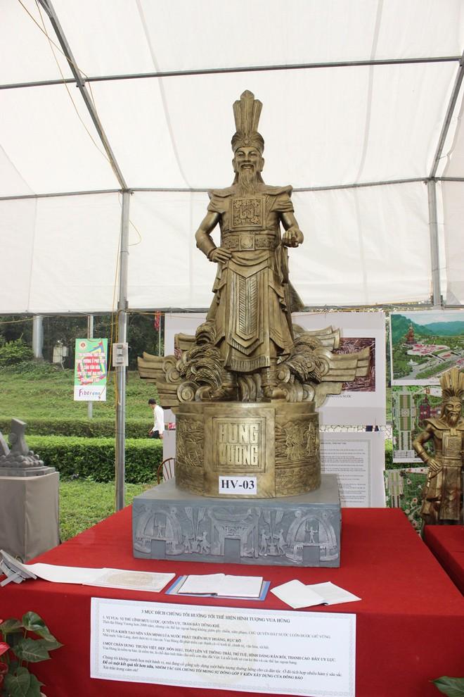 Chọn được hai mẫu tượng Hùng Vương - ảnh 2