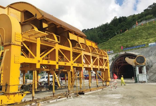 Sông Đà - 'Anh cả' trong xây dựng thủy điện, công trình ngầm - ảnh 1