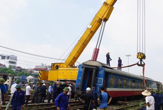 Đường sắt - đối diện với làn sóng bỏ việc: Bị dồn đến chân tường - ảnh 1