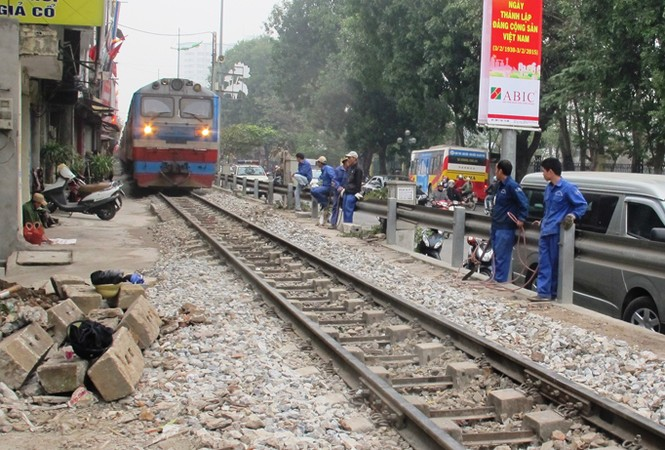 Đường sắt - đối diện với làn sóng bỏ việc: Bị dồn đến chân tường - ảnh 2